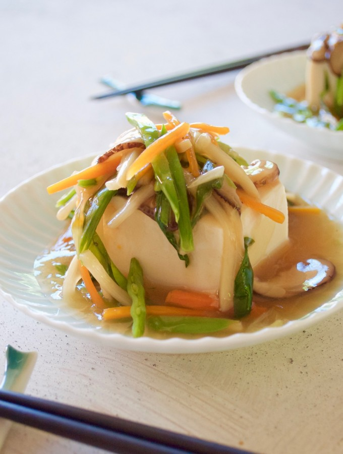 Tofu with plenty of vegetable in thick sauce. It makes the otherwise a simple tofu so special and pretty.