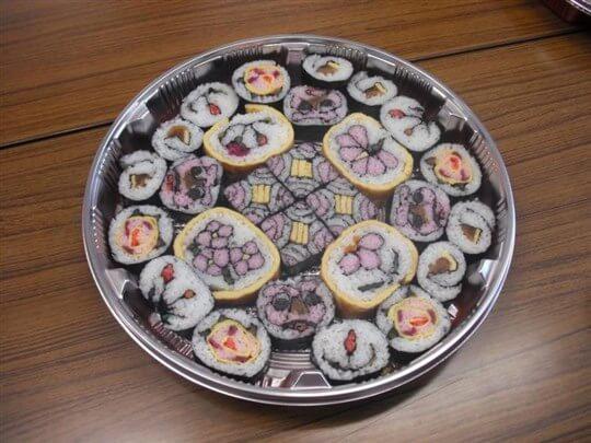 Decorative sushi rolls. So artistic!