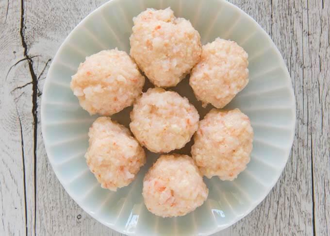 Boiled shrimp balls.