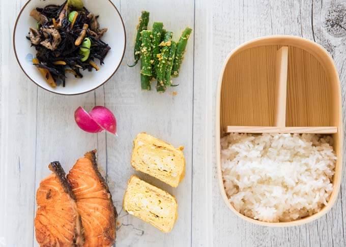 Ingredients that make up of Teriyaki Salmon Bento.