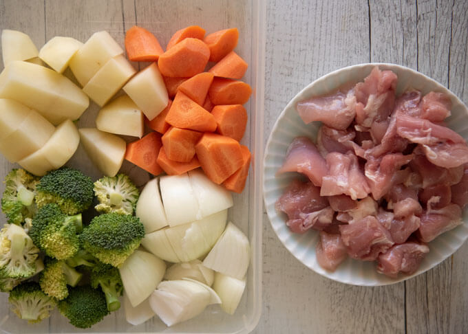 Ingredients of Chicken Cream Stew.