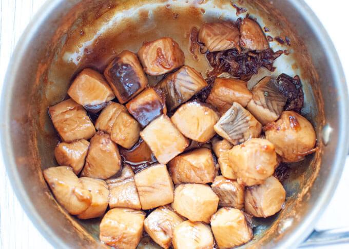 Bonito cooked in a saucepan.