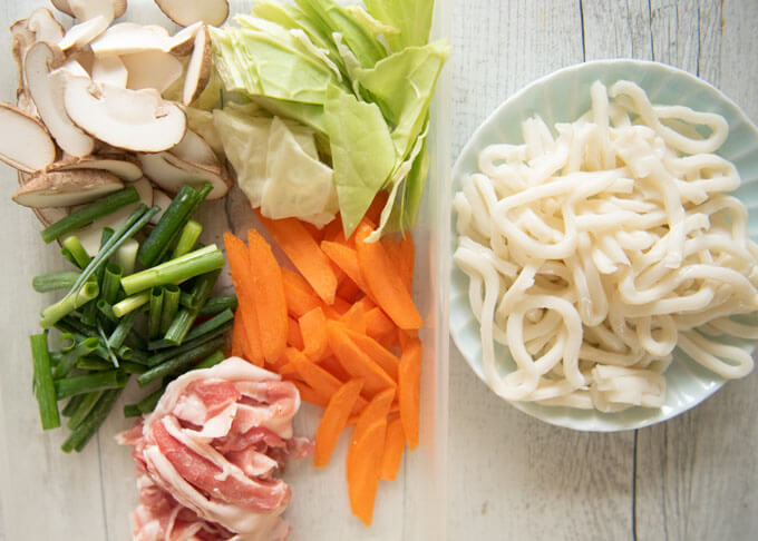Ingredients of Yaki Udon.