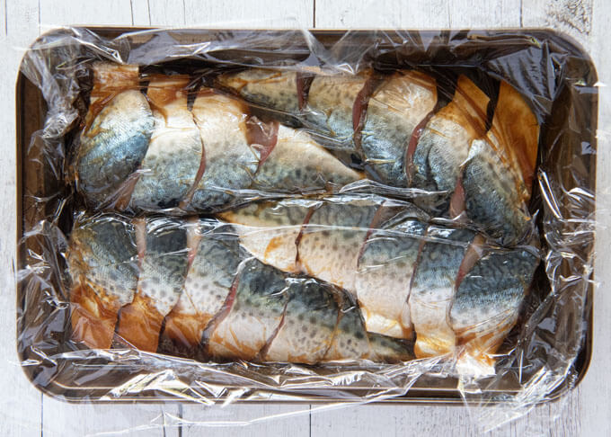 Mackerel fillet pieces marinated in the soy-ginger marinade.