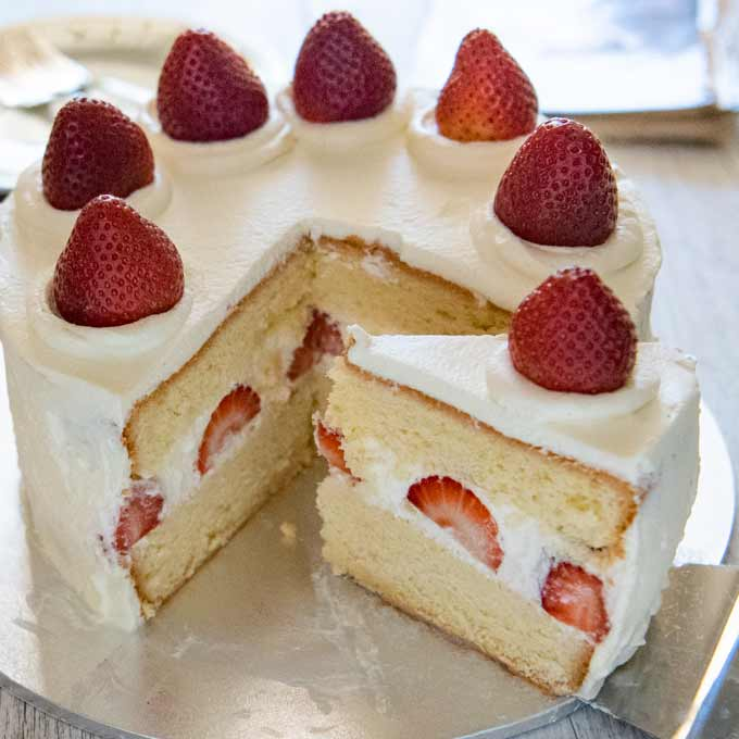 Japanese Strawberry Sponge Cake Strawberry Shortcake Recipetin Japan