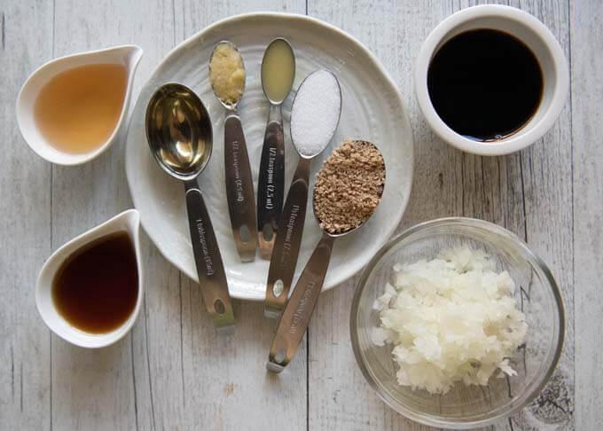 Ingredients for Garlic Sesame Dressing.
