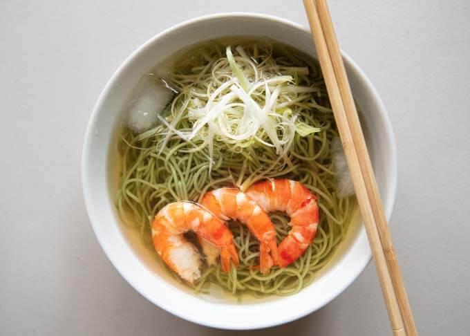 Matcha Cold Nyūmen with prawns and shraga negi toppings.