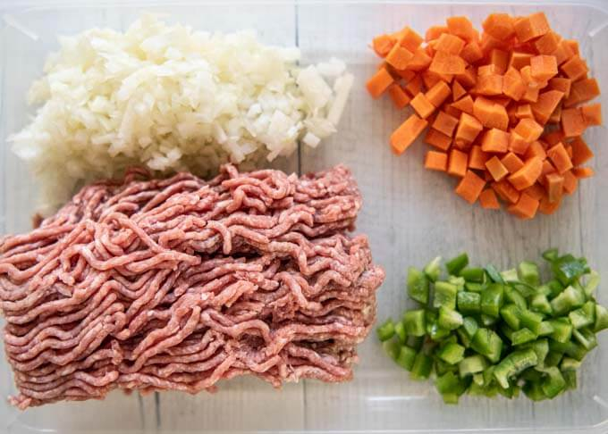 Ingredients for Japanese Dry Curry.
